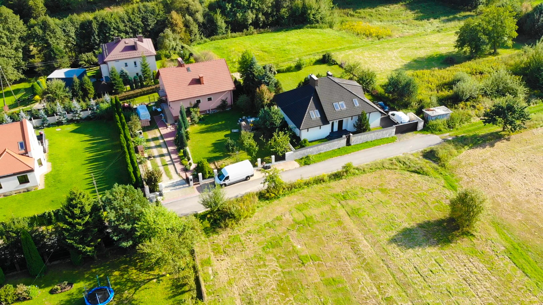 dom na sprzedaż z drona